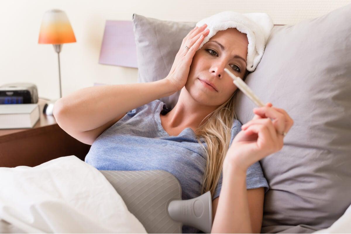 Mujer con síntomas de meningitis