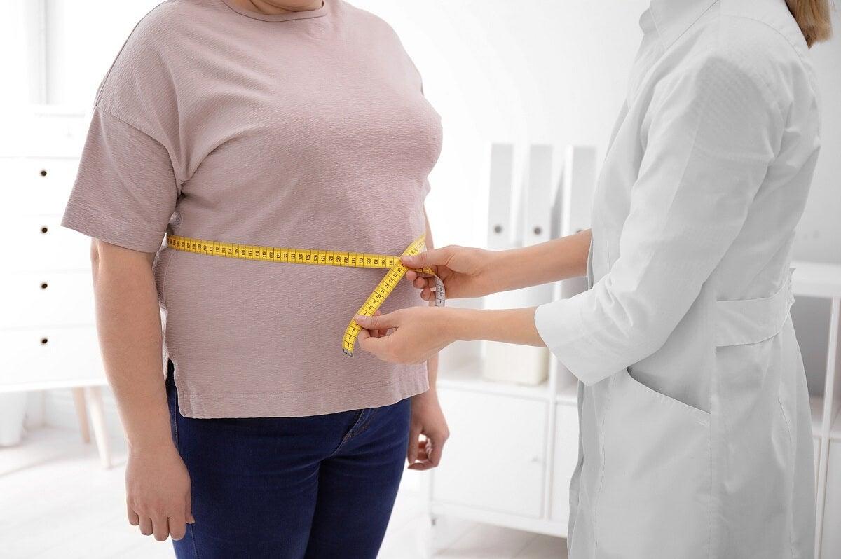 Obesidad y consulta médica frente a lumbalgia.