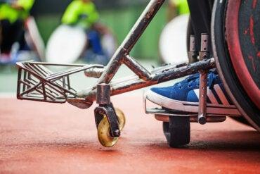 ¿Qué es la hemiplejia y cómo afecta la movilidad del cuerpo?