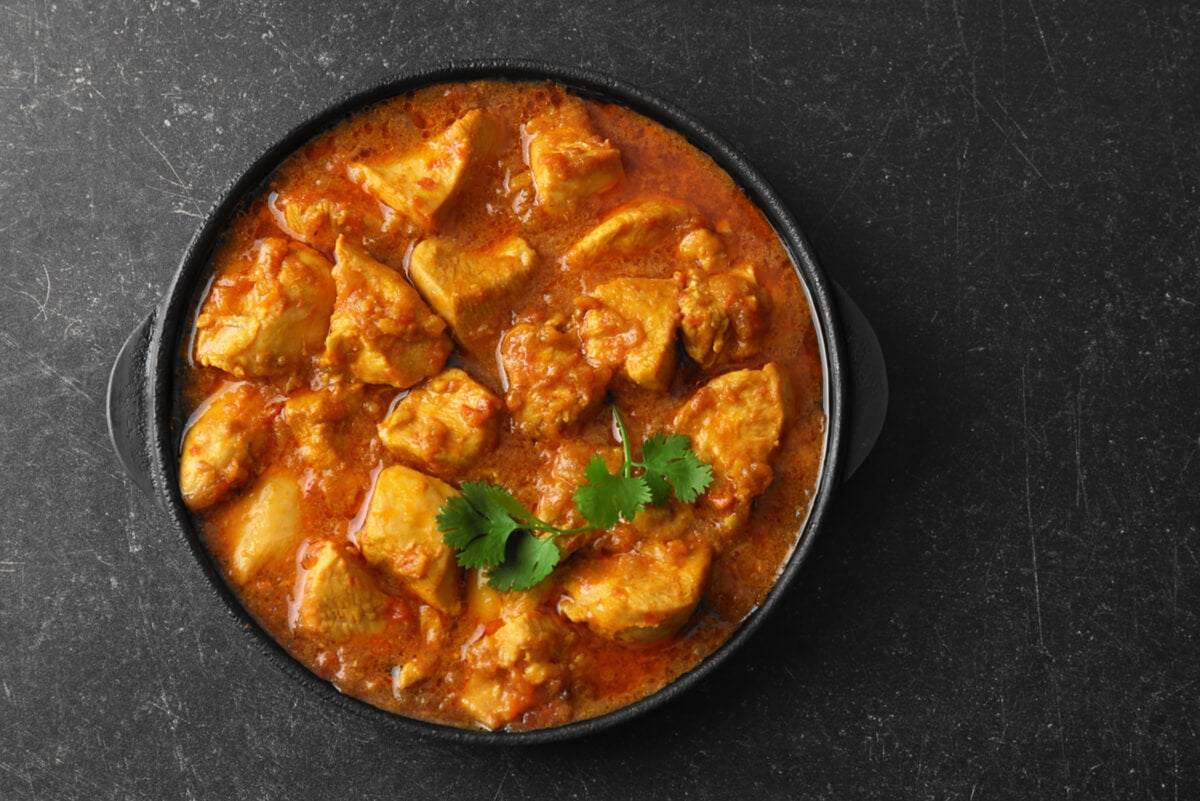 Pollo al curry en la dieta para la gota