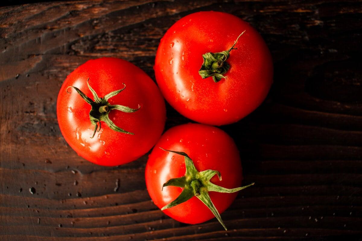 Tomates rojos por el licopeno.