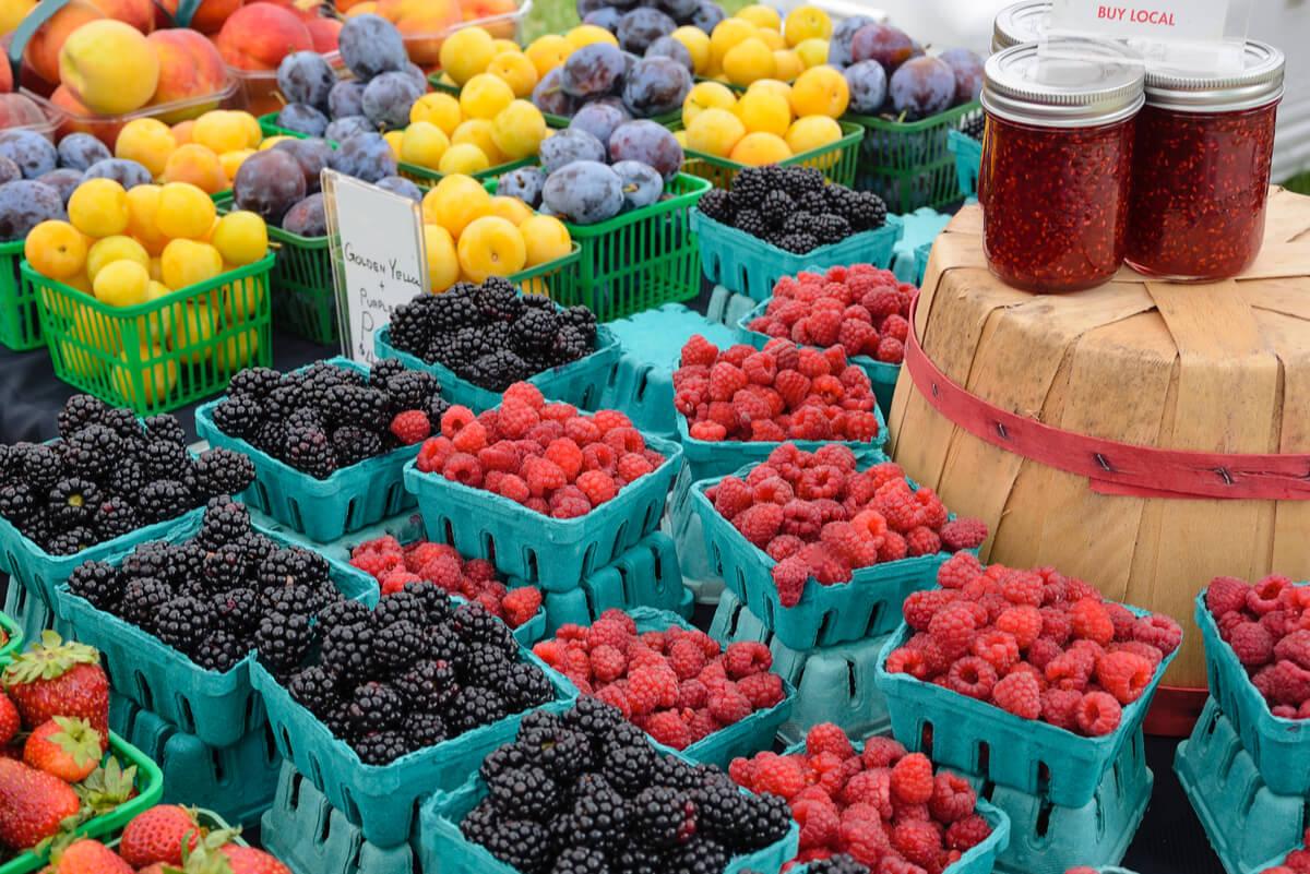 Vegetales en un mercado local