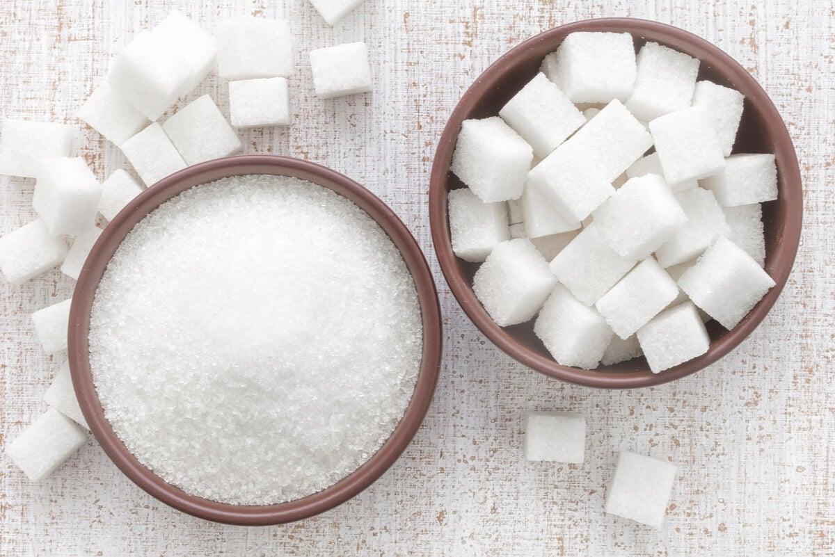 Azúcar blanca, morena y mascabado: semejanzas y diferencias