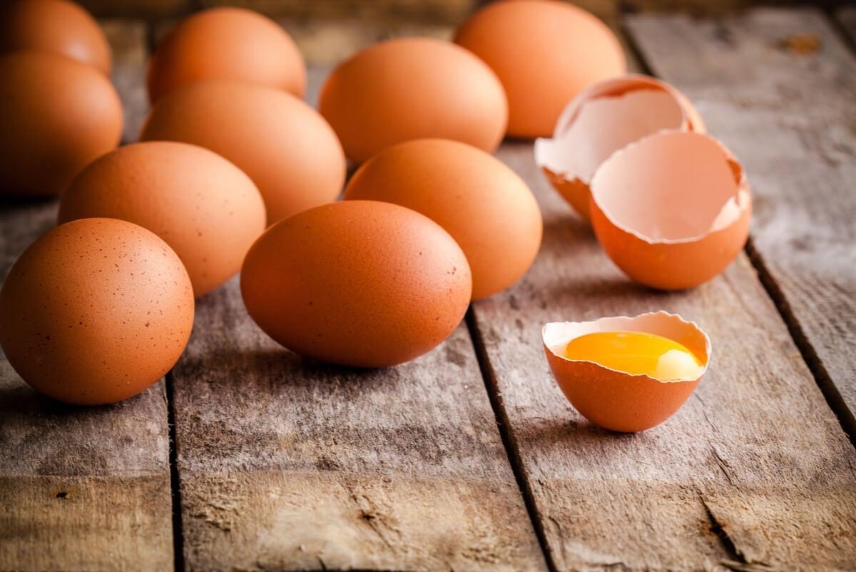 Huevos como proteína para ganar musculatura.