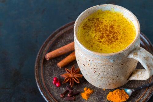 5 beneficios del té de cúrcuma y cómo prepararlo