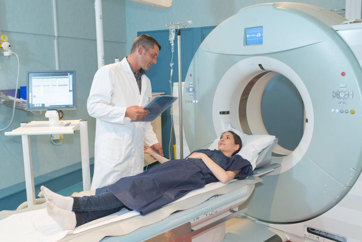 ¿Cómo actúa la radioterapia?