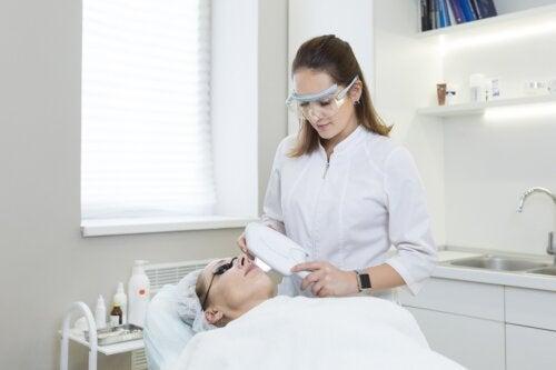 ¿Qué es la fototerapia y para qué sirve?
