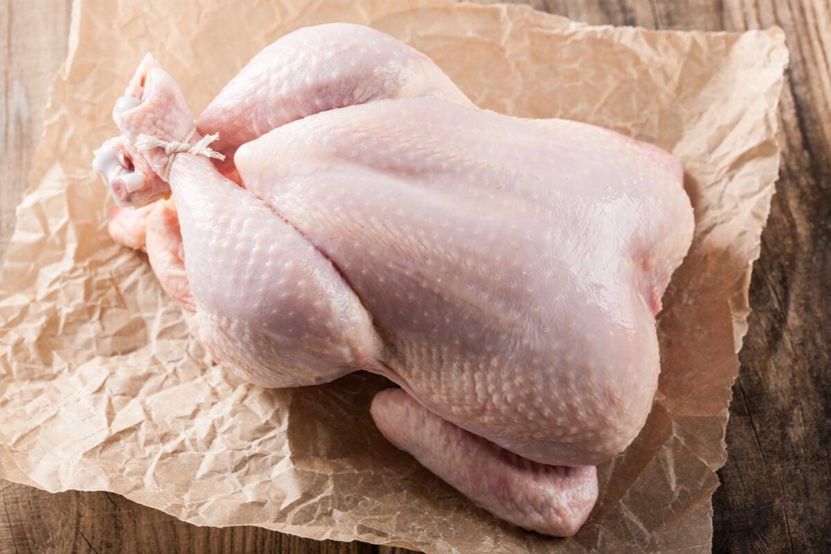 Pollo comprado en la casa.