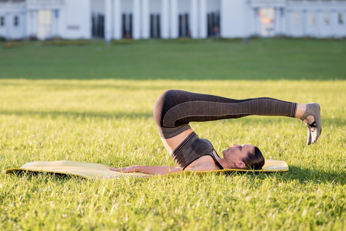 Rolling back en pilates