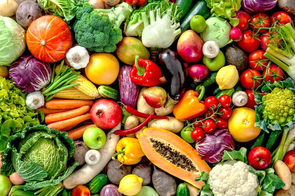 Verduras variadas con antocianinas.
