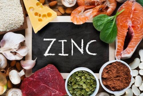 ¿Cuál es la función del zinc en el cuerpo?