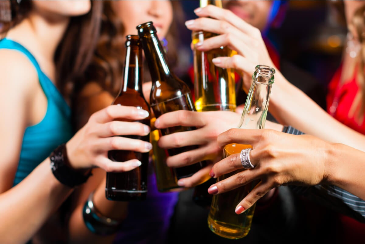 Drunkorexia en adolescentes en un boliche.