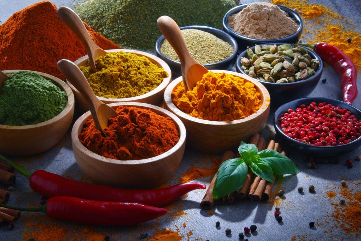 Condimentos y especias para aprender a cocinar.