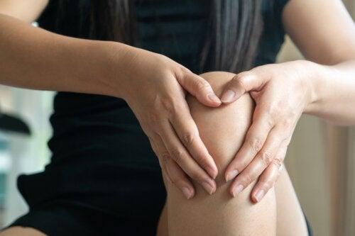 ¿Cómo tratar un edema óseo en la rodilla?