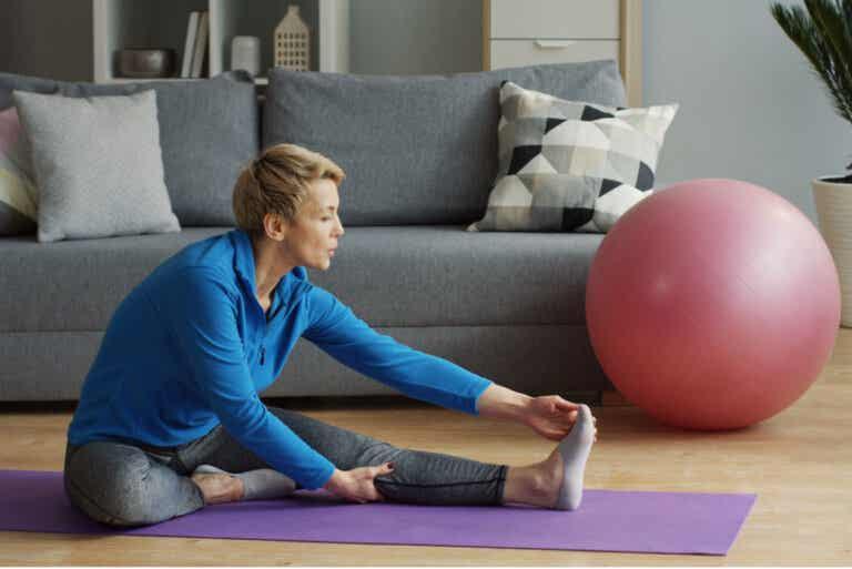 5 ejercicios para estirar los isquiotibiales