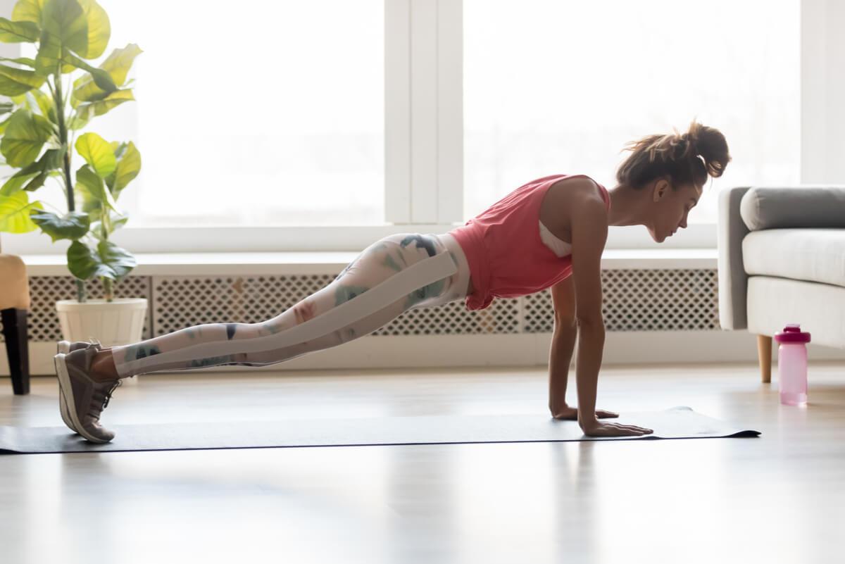 Flexiones para aumentar los pechos.