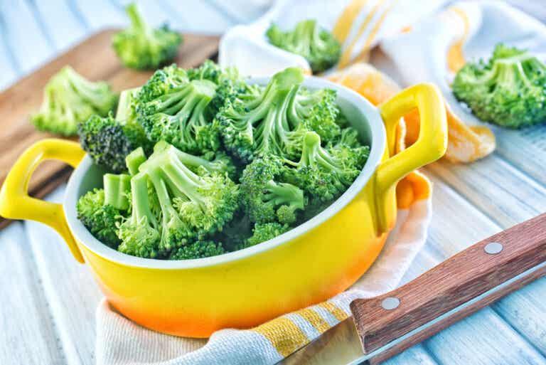 Cómo cocinar brócoli al microondas