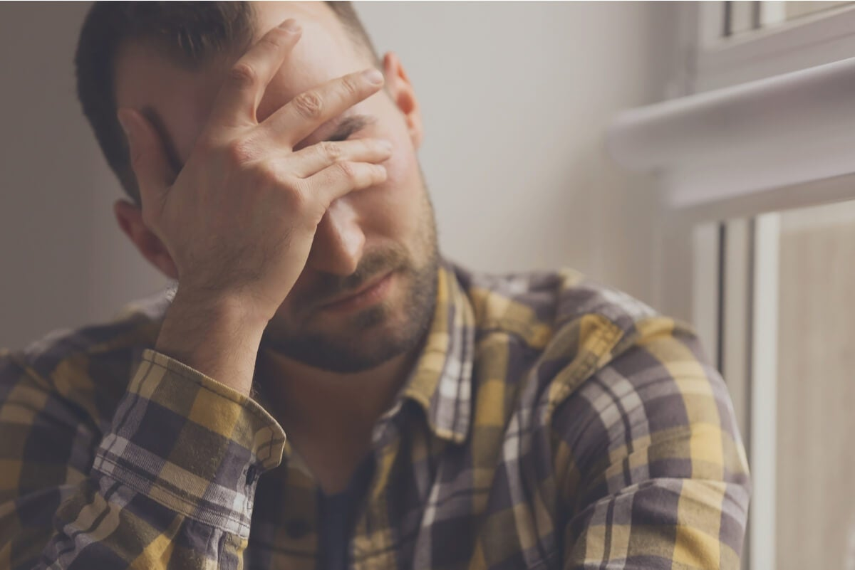 Hombre con depresión.