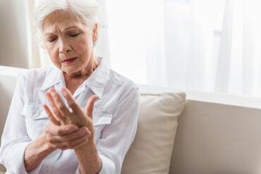 ¿Cuáles son las causas y síntomas del dolor crónico?