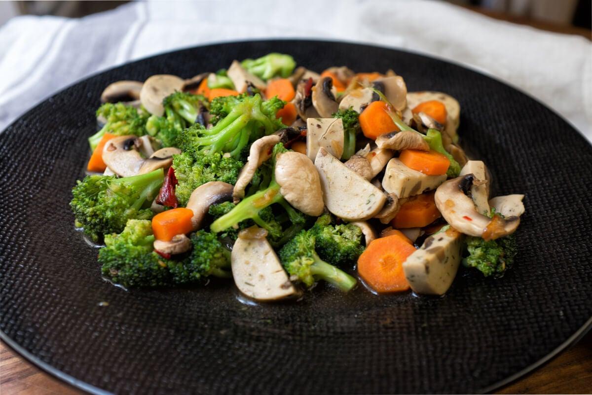 Gastronomía con brócolis.
