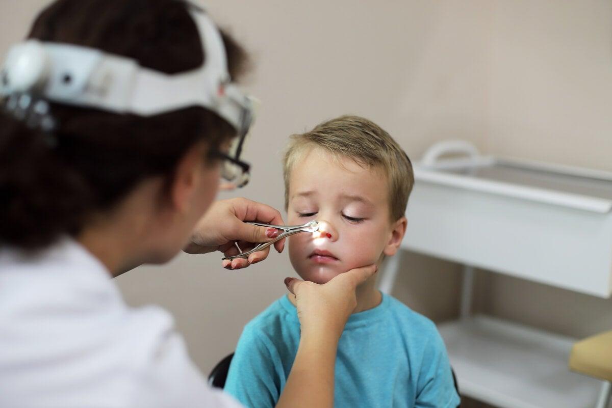 Evaluación de ORL a un niño.