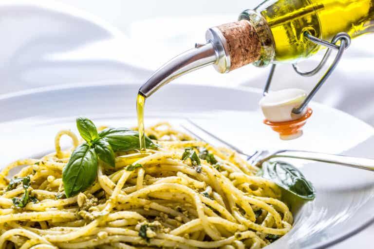 Cómo hacer aceite de albahaca casero