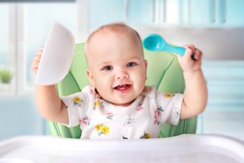 ¿Cuándo introducir los alimentos sólidos en bebés?