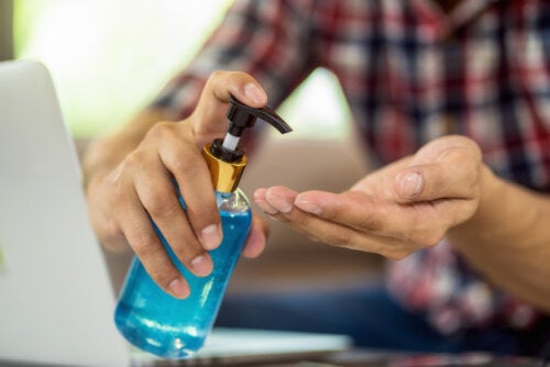 Efectos secundarios del gel antibacterial sobre la piel