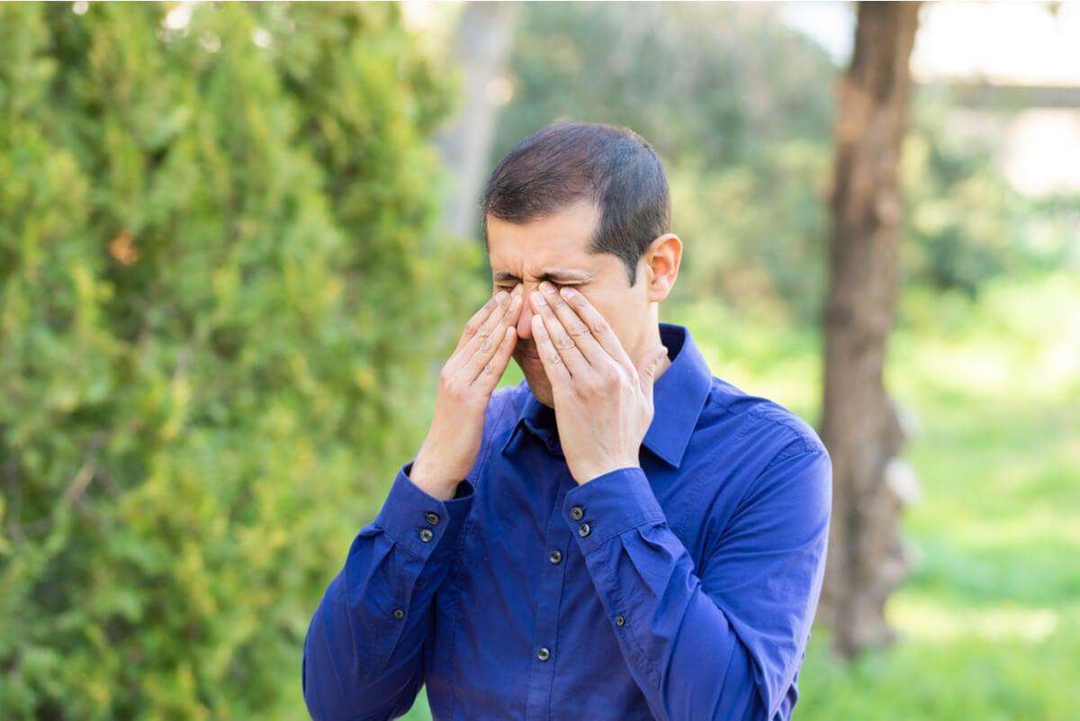 Alergia al polen en los ojos.