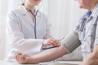 La hipertensión de la bata blanca