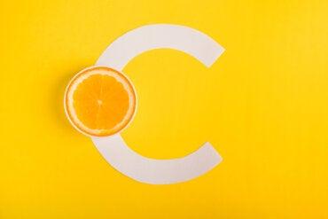 ¿La vitamina C ayuda a combatir las alergias?