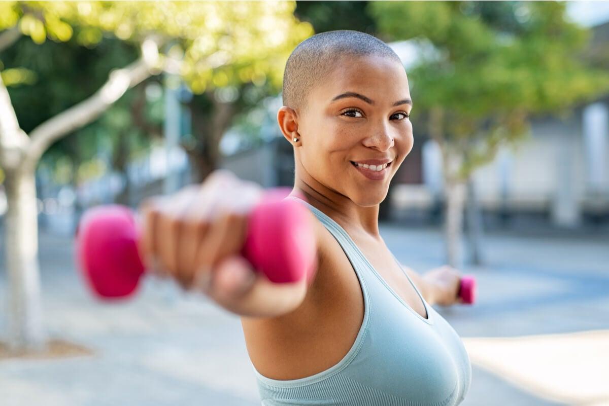 Mancuernas para ejercicios de bíceps.
