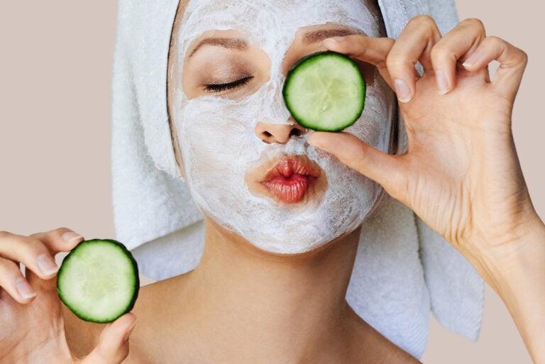 ¿Cómo actúan las mascarillas en la piel?