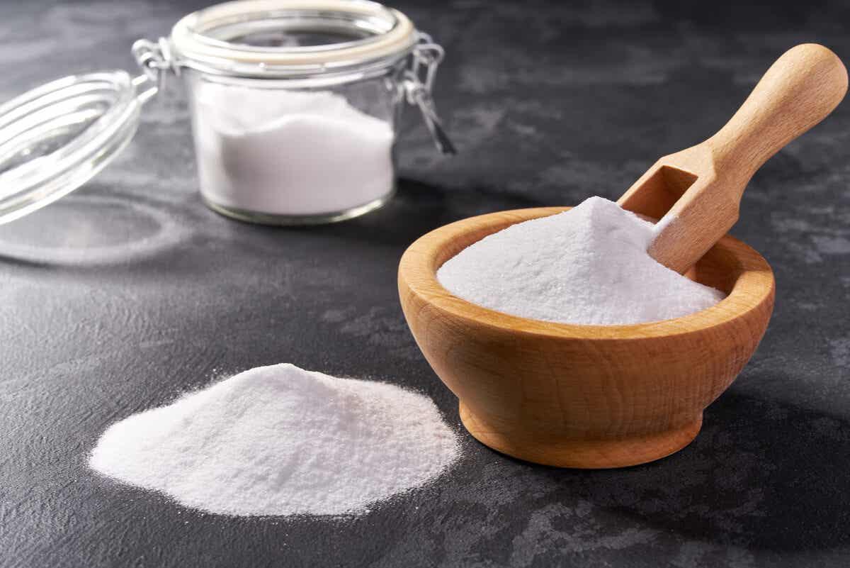 Bicarbonato de sodio para lavar la ropa.