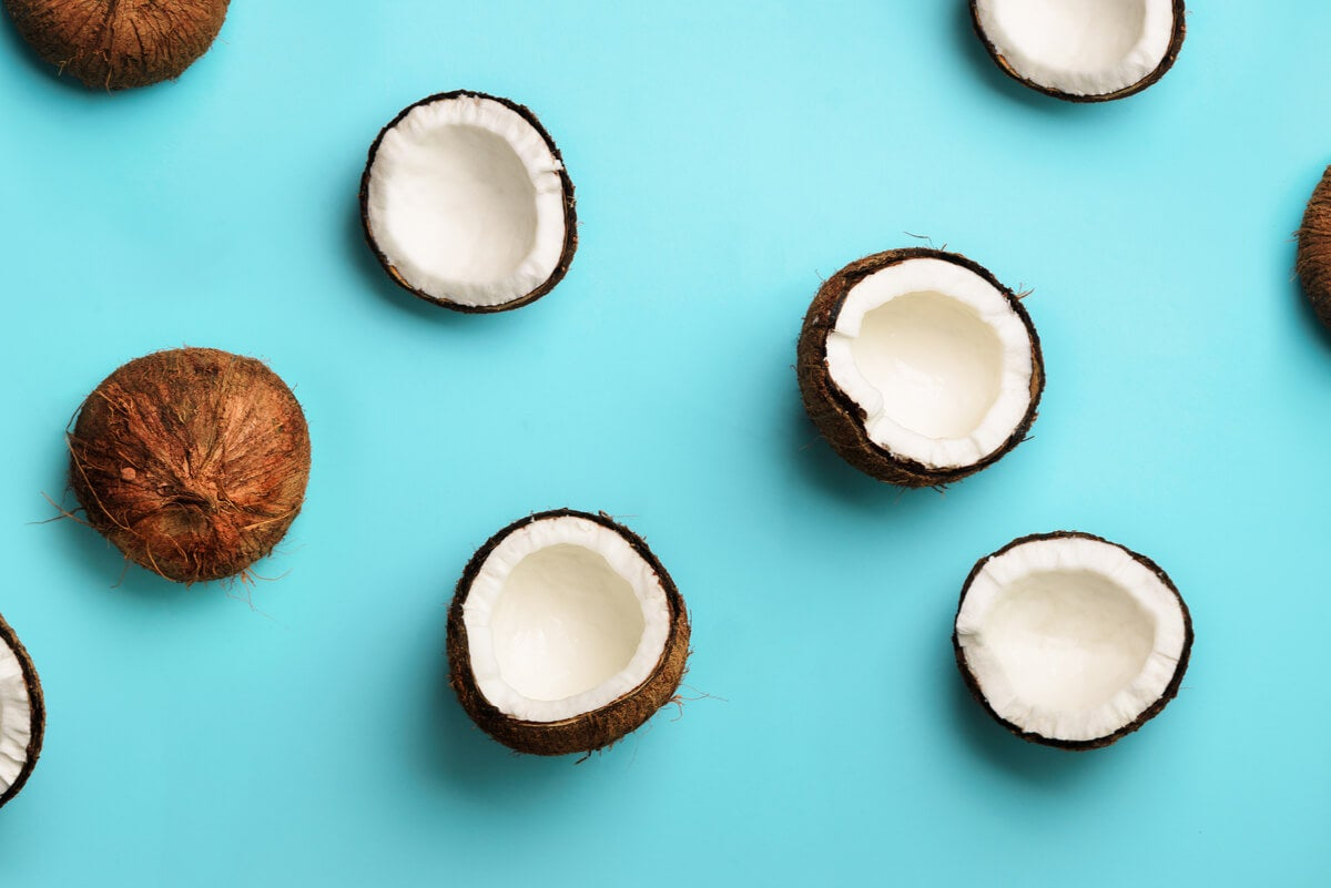 Coco para la receta de bizcocho con piña.