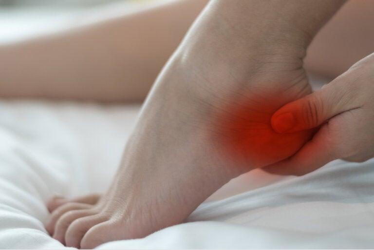 Ejercicios para tratar el dolor de talón por fascitis plantar