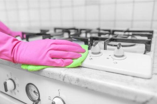 ¿El vinagre es útil como desinfectante para el hogar?