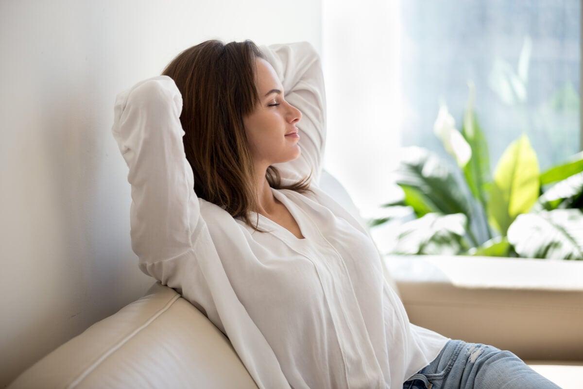 Casi todas las mujeres pueden usar implantes anticonceptivos subdérmicos.