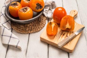 Caquis: beneficios y usos en la cocina