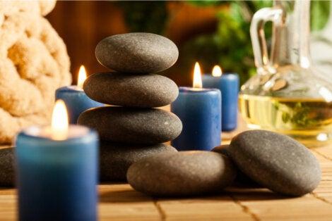 Piedras calientes para masajes.