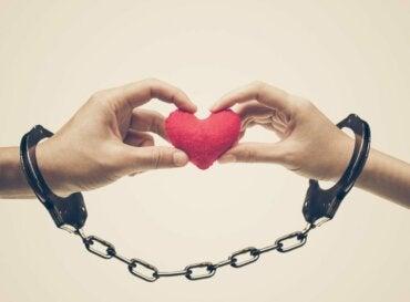 5 señales de que estás en una relación codependiente