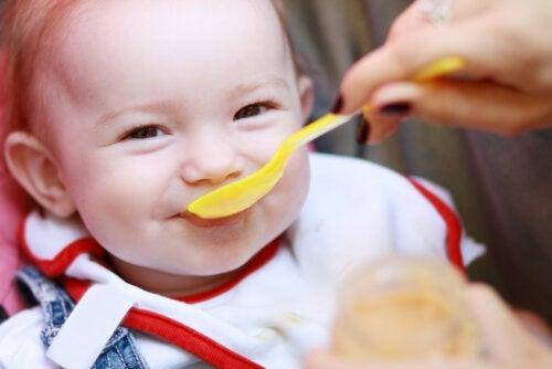 5 señales de que tu bebé podría tener hambre