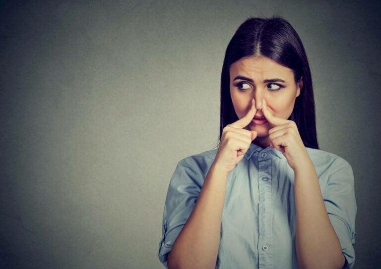Fantosmia: ¿cómo se producen las alucinaciones olfativas?