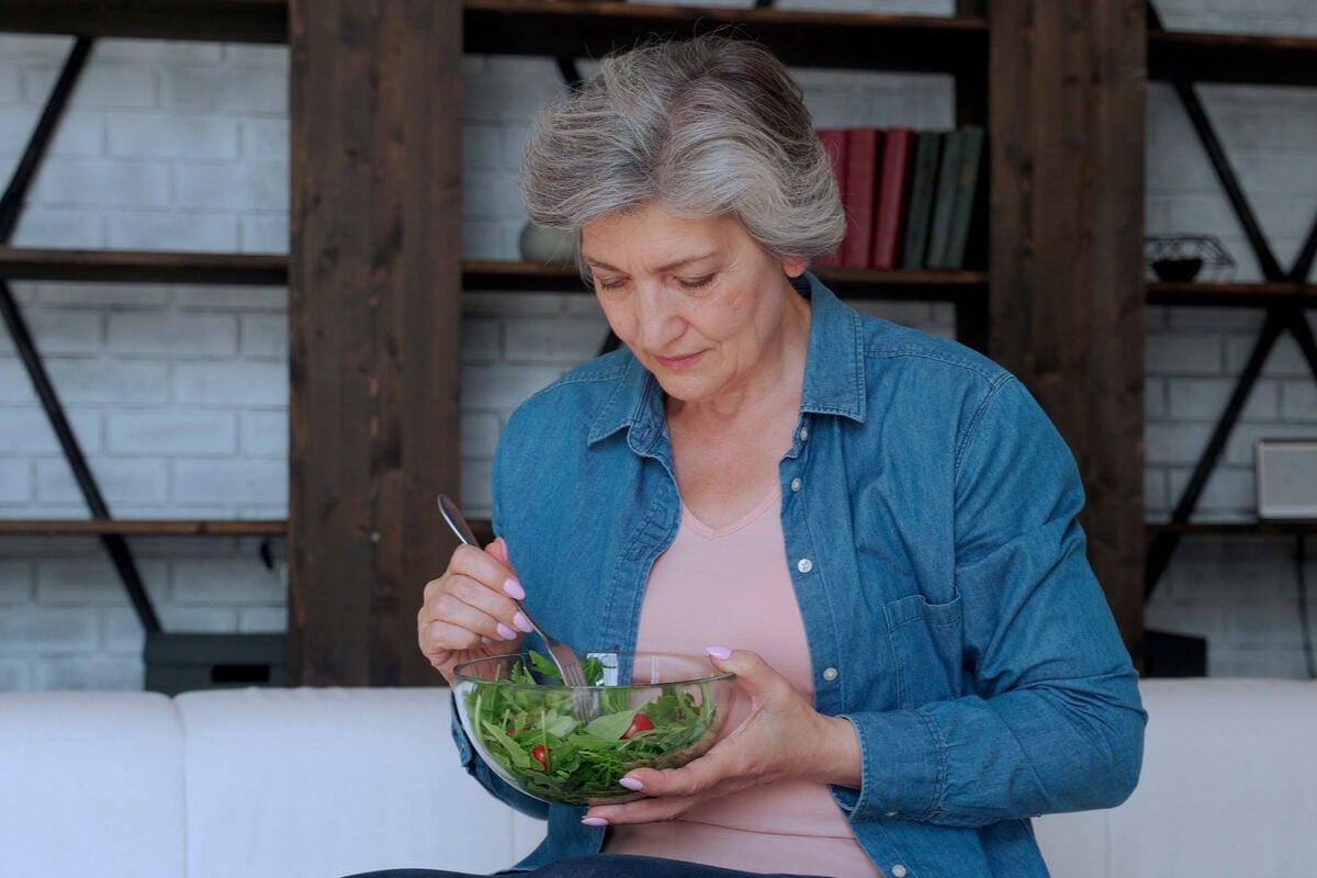 Trastornos alimenticios en mujeres mayores