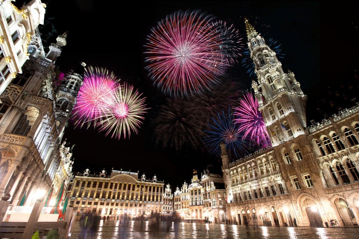Fuegos artificiales para las fiestas de Año Nuevo.