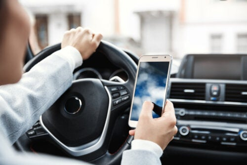 4 consejos que te ayudarán a evitar accidentes en tu coche