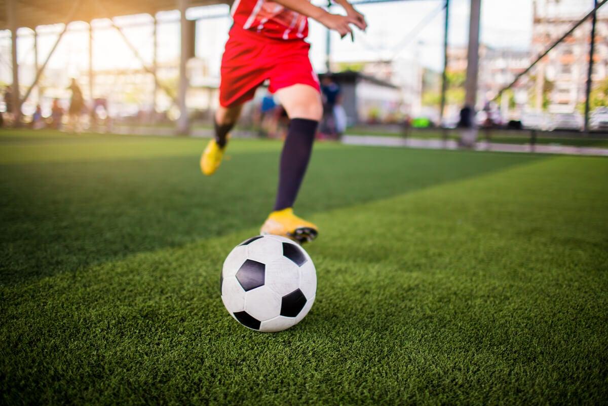 Movimientos del fútbol en el miembro inferior.