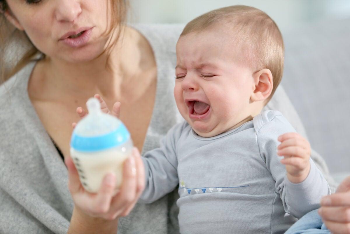 Llanto de un bebé con hambre.