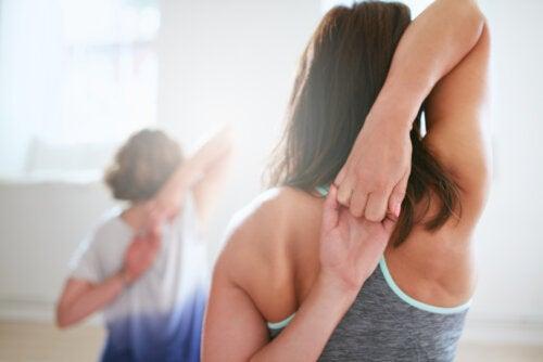 5 ejercicios de trapecios sin pesas