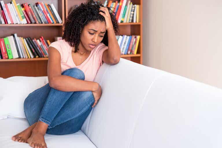 Atazagorafobia o miedo al olvido: síntomas, causas y tratamiento
